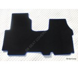 Renault Traffic van floor mats in black carpet with blue piping